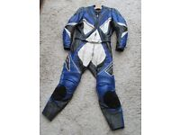 Richa two piece mens leathers
