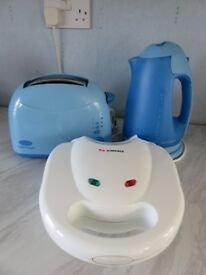 2 slice toaster,kettle and sandwich toaster