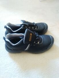 Men's Work Safety Shoes - Size 8