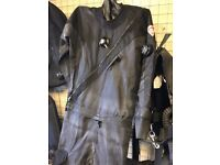 Mens TLS DUI dry suit Medium,