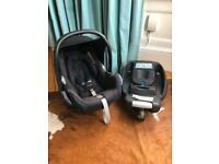 MaxiCosi Cabriofix car seat with Easyfix Isofix base