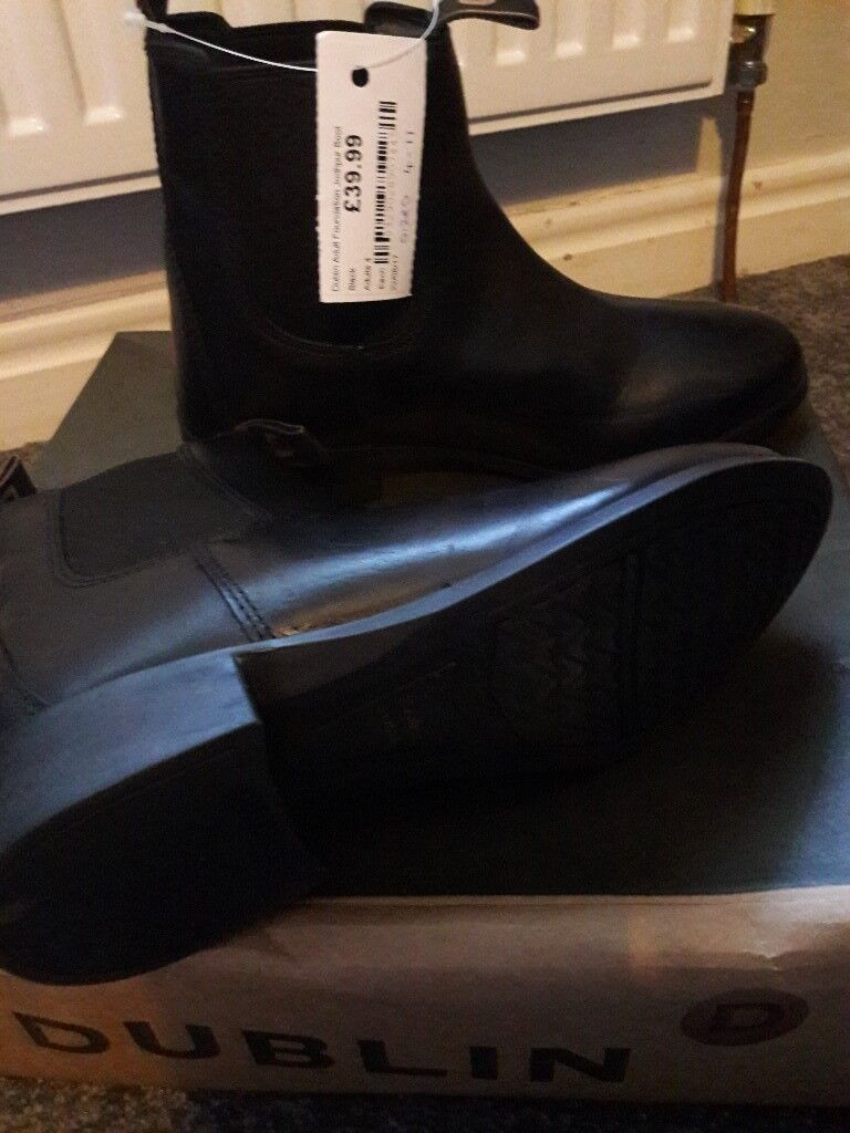 Dublin Riding Boots Size 4in Marton in Cleveland, North Yorkshire - Black size 4 Dublin riding boots Never been worn with tag and boxed Some marks on the front of boots due to being boxed