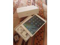 iPad mini 3 Gold 16GB - 4G Vodafone Network - Box included - Brand new condition