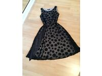 Sleeveless Black/gold dress - size 10