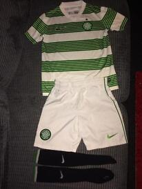 Boys nike Celtic football kit age 10/12