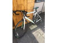 BRAND NEW CARRERA VANQUISH ROAD BIKE