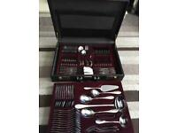 NEW Solingen Nivella 70 piece 18/10 stainless steel 24 karat gold plated cutlery set in briefcase