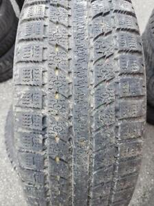 3 PNEUS HIVER - TOYO 205 65 16 - 3 WINTER TIRES