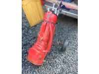 Golf club / golf trolley