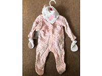 6 piece set size newborn bnwt