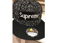 Snap back supreme cap