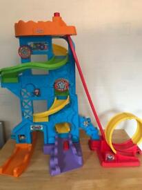 Fisher Price Little People Garage set