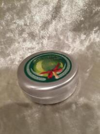 NEW BODYSHOP SPICED APPLE LIP BALM