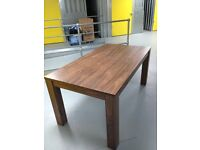 LARGE EXTENDABLE AMERICAN WALNUT STYLE DINING TABLE