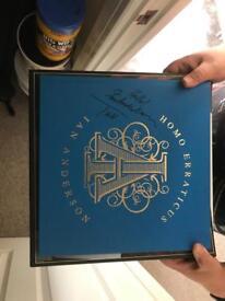 Signed jethro Tull vinyl collectors set