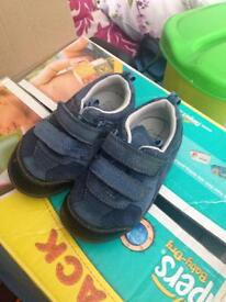 Clarks first shoe 5.5f