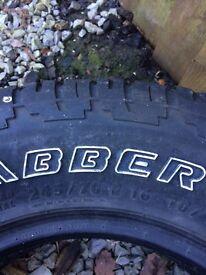2x General grabbers tyres