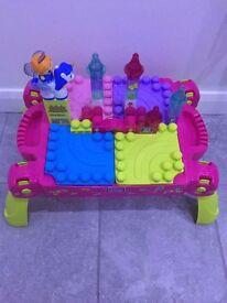 Mega Blocks Fairytales Table