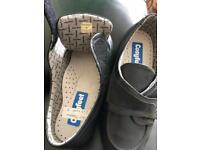 COSYFEET SIZE 5 brand new. No box
