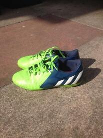 Adidas predito size 6 astro turf trainers