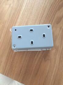 Twin plug sockets