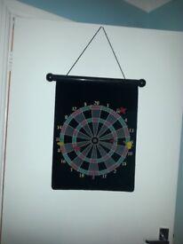 Magnetic darts board