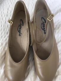 Capezio Dance Character Shoes (tan)