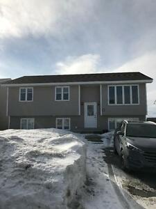 8 Sunderland Dr. – Bright Freshly Painted 3 Bdrm in Paradise