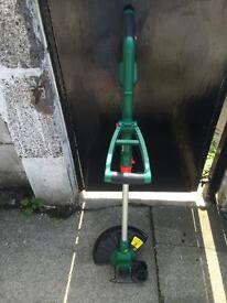 BRAND NEW QUALCAST GRASS/HEDGE TRIMMER WITH 2 SPOOLS