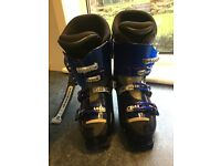 Rossignol ladies ski boots uk size 7.5( 26.5) although worn feels more like 6.5