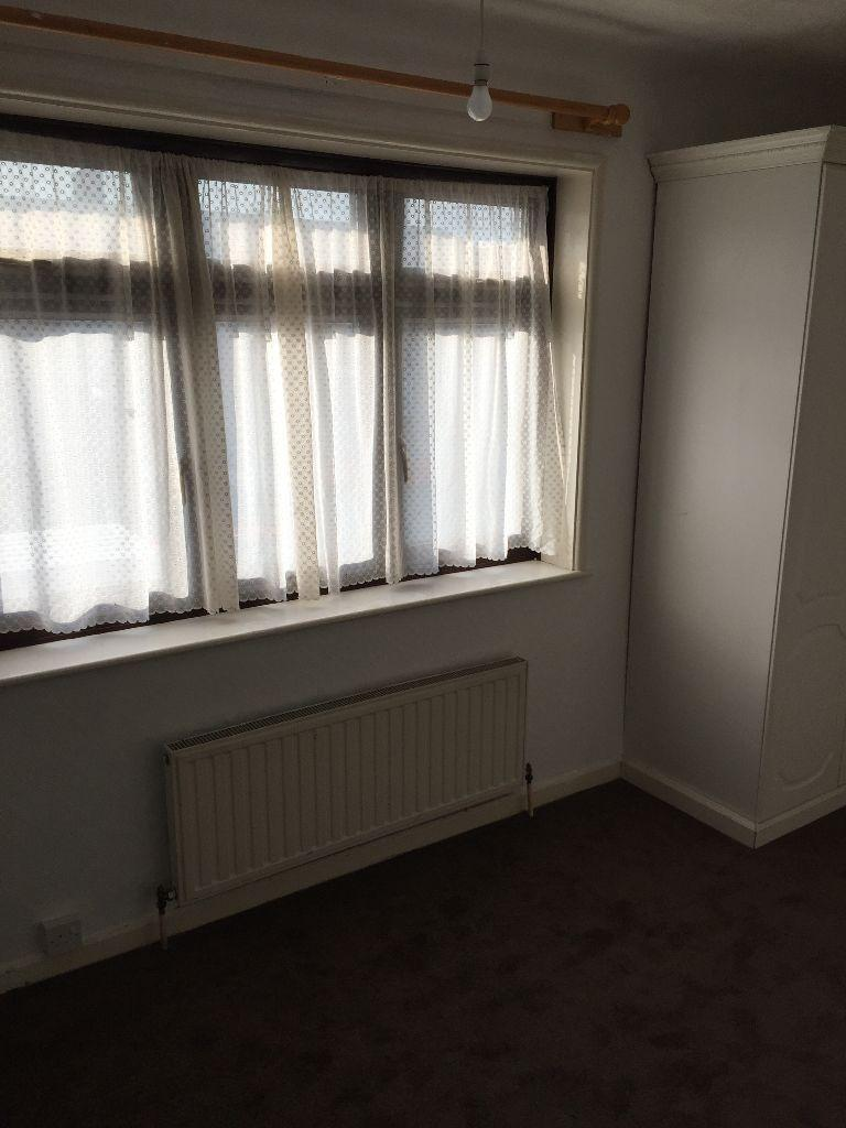 VERY NICE Two BED ROOM FLAT IN SEVENKING