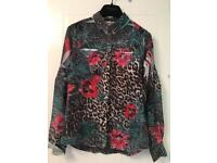 GUESS blouse/top size XS
