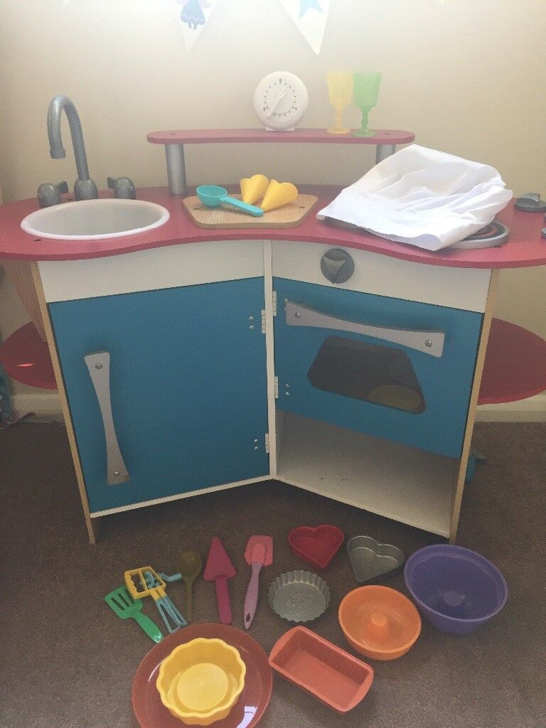 Melissa Amp Doug Cooks Corner Wooden Play Kitchen In