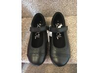Girls school shoes size 1