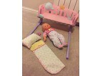 Dolls bed / cradle & doll (nenuco)