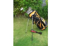 TAYLOR MADE GOLF CLUBS IN BAG WITH STAND MENS RIGHT HAND