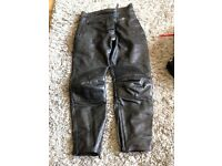 Leather motorbikes trousers