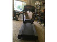 Life Fitness 9500 hr Treadmill Running Machine