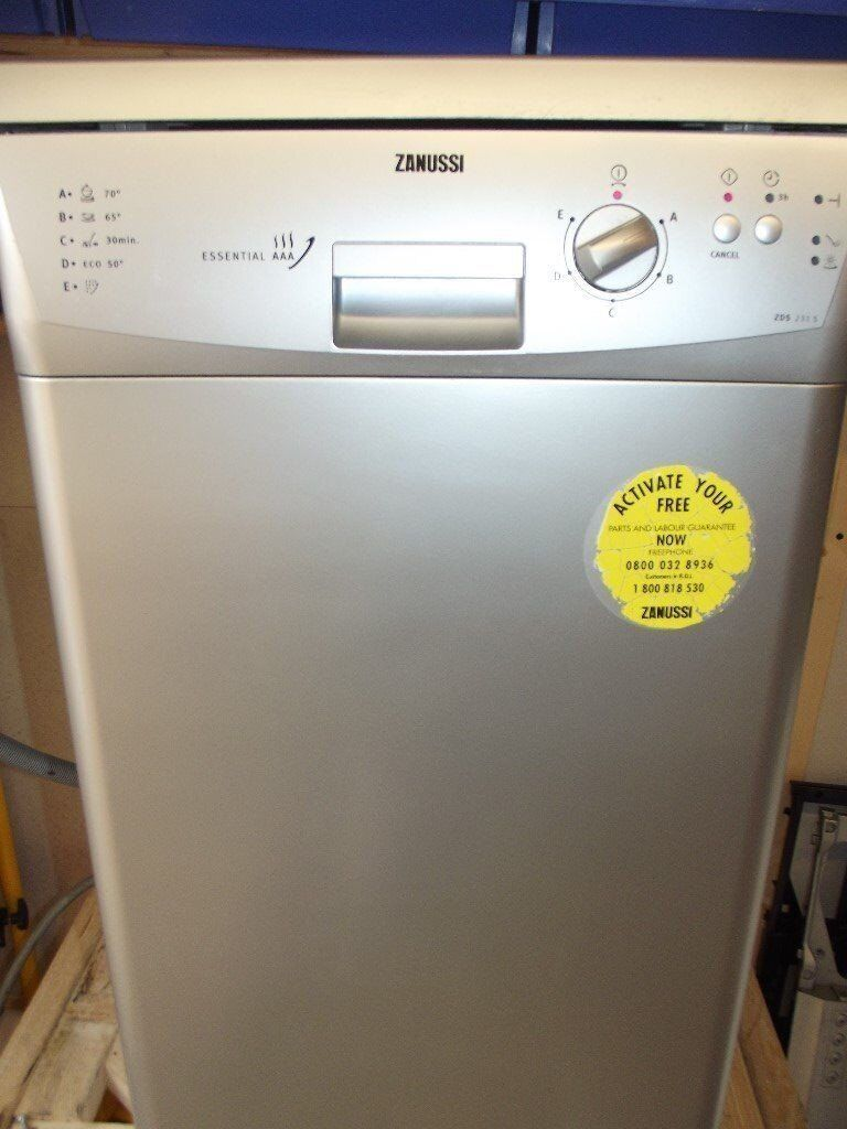 ZANUSSI SLIM LINE DISHWASHER IN GOOD CLEAN WORKING ORDER OFFER PRICE ENDS 12/10/17