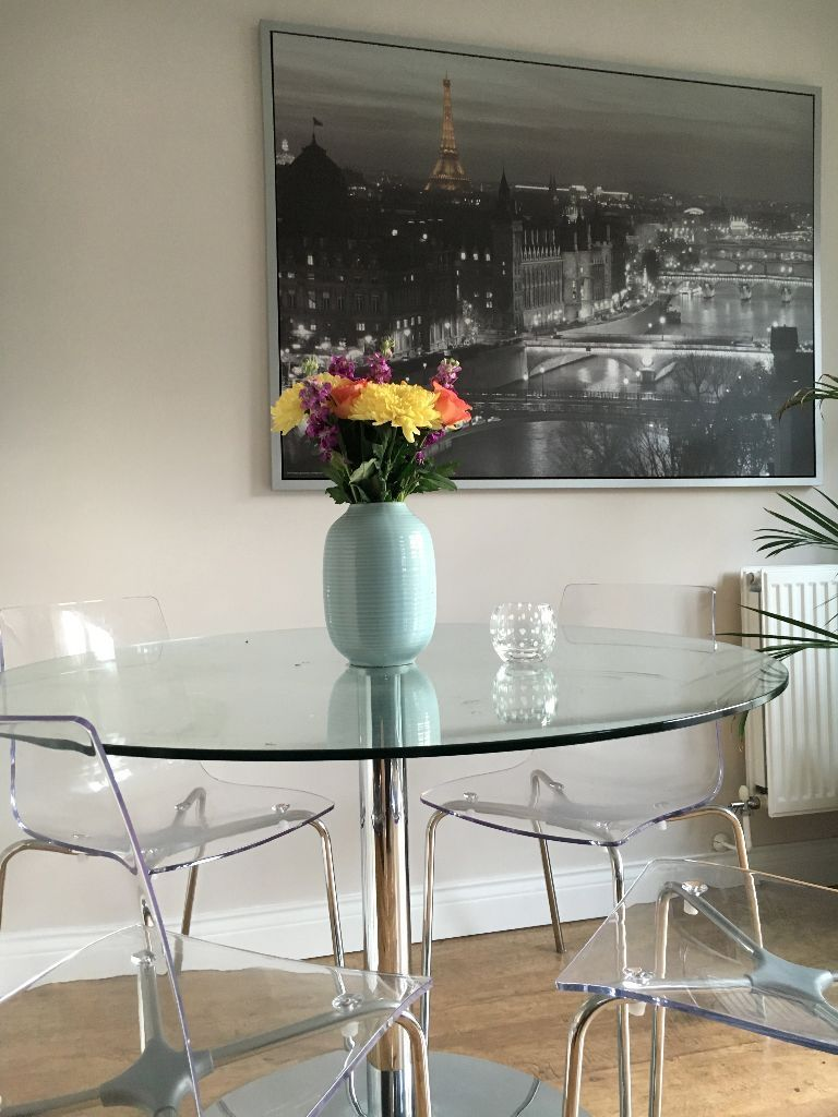 Round Glass Dining Table With 4 Clear Acrylic Chairs For Sale 125