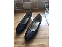 """LADIES BROWN COURT SHOES BY """"EQUITY"""" SIZE 6 1/2"""