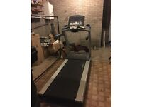LIFE FITNESS GYM SPEC TREADMILL