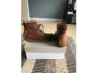 Mens Natalie Clarks Boots size 8. Brown Tan suede