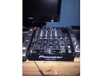Pioneer DJM700 4 channel mixer, Also accompanied with Technics headphones (very good quality)