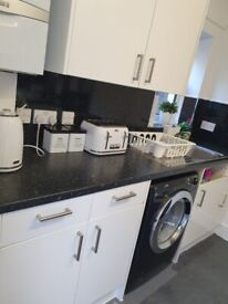 Lovely 2 bed house south east london.