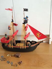 Playmobil pirate ship - excellent condition