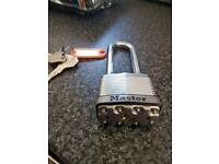 master padlock with 4 keys very strong