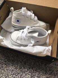 Covnverse crib shoes, size 3