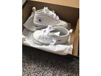 Covnverse crib shoes, size 3
