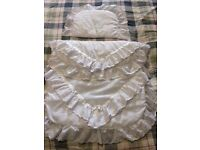 White lace and ribbon trim cot bedding - pretty & as new condition